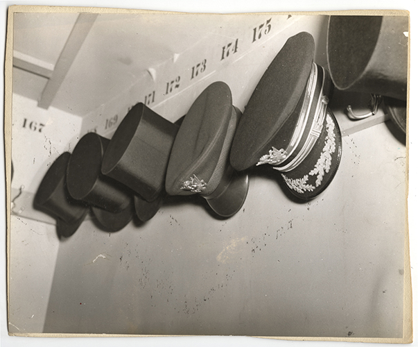 Weegee, Intermission. November 25, 1941