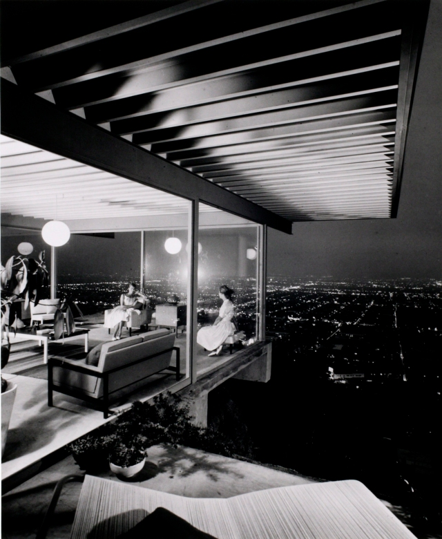 Julius Shulman Takes On Modern Architecture Fans In A
